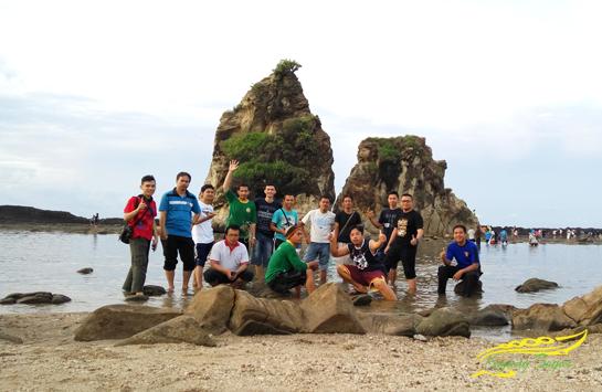 Batu Kembar Pantai Sawarna