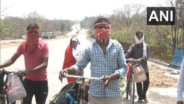महाराष्ट्र से मध्यप्रदेश अपने घर जाने ने के लिए 5 दिन से साइकिल चला रहे मजदूर