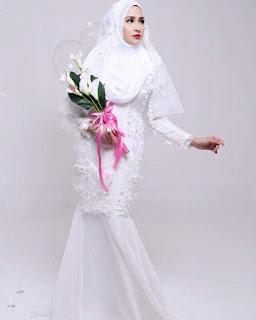 Pink Bubblegum Princess Baju Akad Nikah Putih Terkini