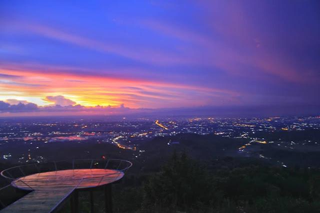 Keindahan Sunset Di Wisata Watu Goyang