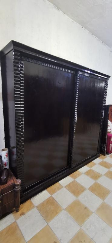 غرفة نوم مودرن عمولة جرار جديدة لون أسود