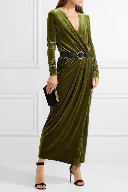 Довга оксамитова сукня