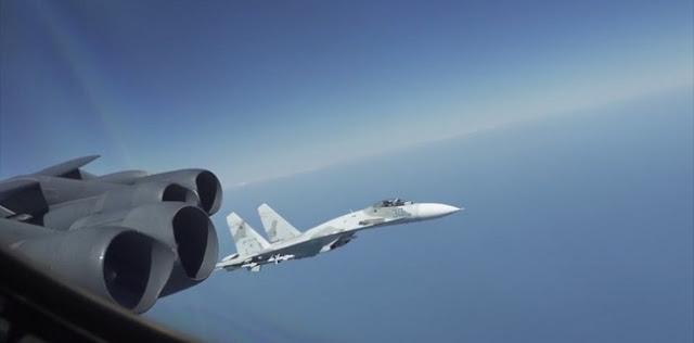 Di Atas Laut Hitam, Dua Jet Tempur Rusia Cegat Pesawat Pembom AS Dalam Jarak Hanya 30 Meter