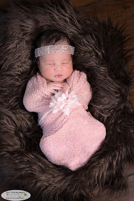 Top Marietta / Atlanta GA Newborn Baby / Infant Portrait / Child / Maternity / Family / High School Senior / Event Photographer