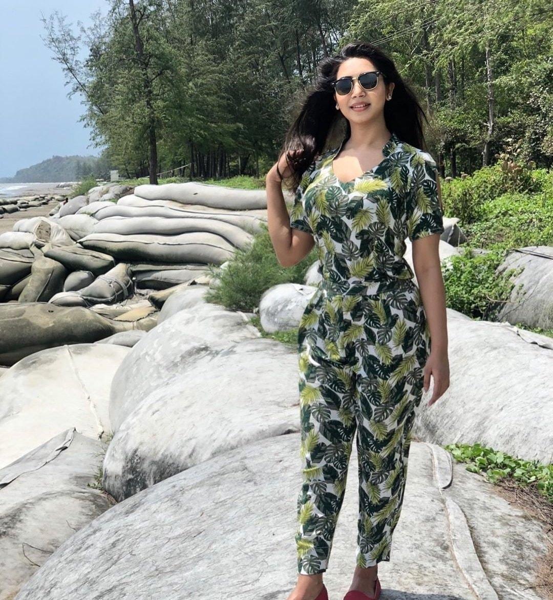 মডেল এবং অভিনেত্রী সাদিয়া জাহান প্রভার কিছু ছবি 8