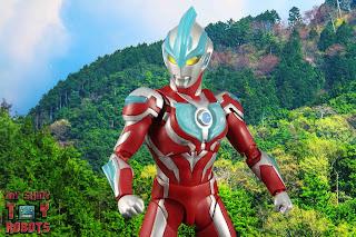 S.H. Figuarts Ultraman Ginga 11