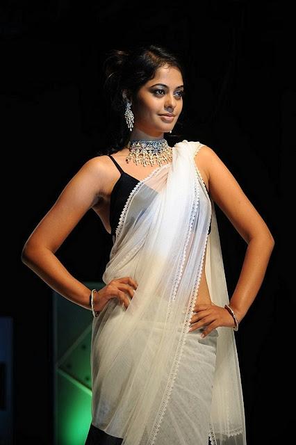 Tollywood Actress Bindhu Madhavi Hot Stills In Saree Actress Trend