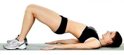 Elevación cadera ejercicio rutina mujer