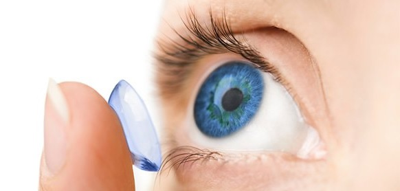 Conseils: pour éviter les dommages des lentilles sur l'œil