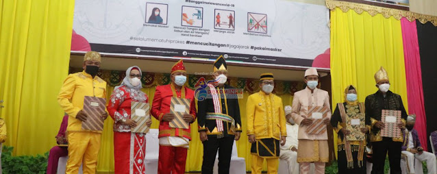 Amirudin Tamoreka dan Furqanudin Masulili Rayakan HUT ke 61 Kabupaten Banggai.lelemuku.com.jpg