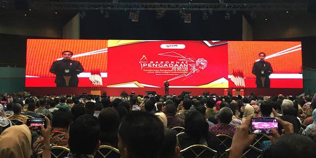 Prioritaskan Produk dalam Negeri, Jokowi Minta Barang Impor Dipersulit
