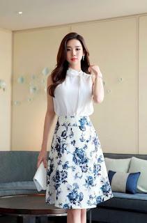 model Midi Dress Batik wanita