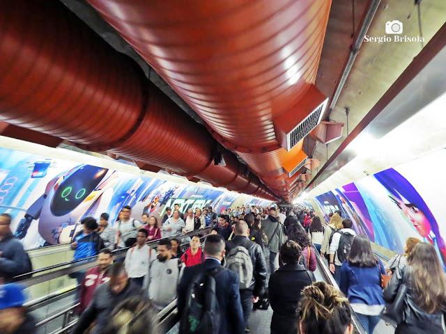 Vista de parte da Interligação subterrânea do Metrô Paulistano - Consolação - São Paulo
