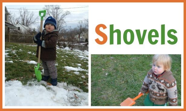 kids digging with shovels