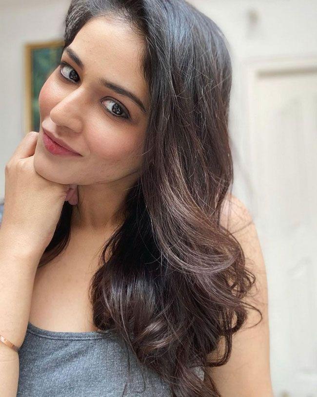 Actress Gallery: Priyanka Jawalkar New Pics