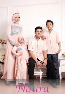 Contoh Batik Sarimbit Keluarga