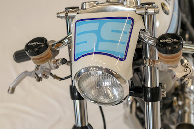 Yamaha SR 400 Custom Light by Fred Krugger