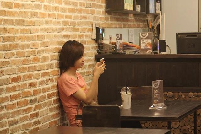 Thức Coffee - Quán cà phê cho những 'cú đêm' ở Sài Gòn