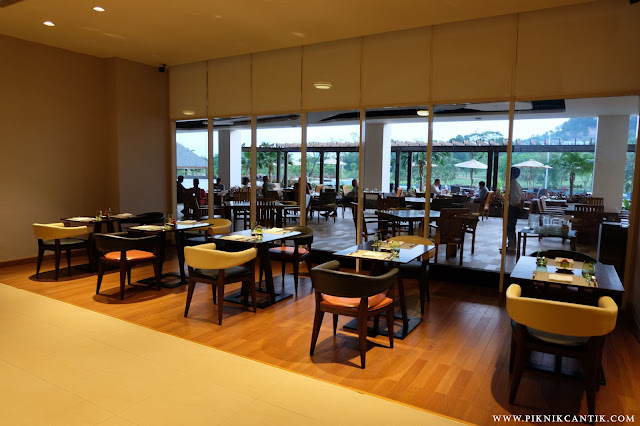 Bite Restaurant Radisson Golf&Convention Center Batam