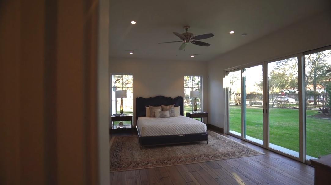 19 Interior Design Photos vs. 70 W Broad Oaks Dr, Houston, TX Home Tour