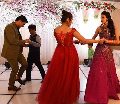 alesia-raut-siddhaanth-dances-in-their-wedding-reception