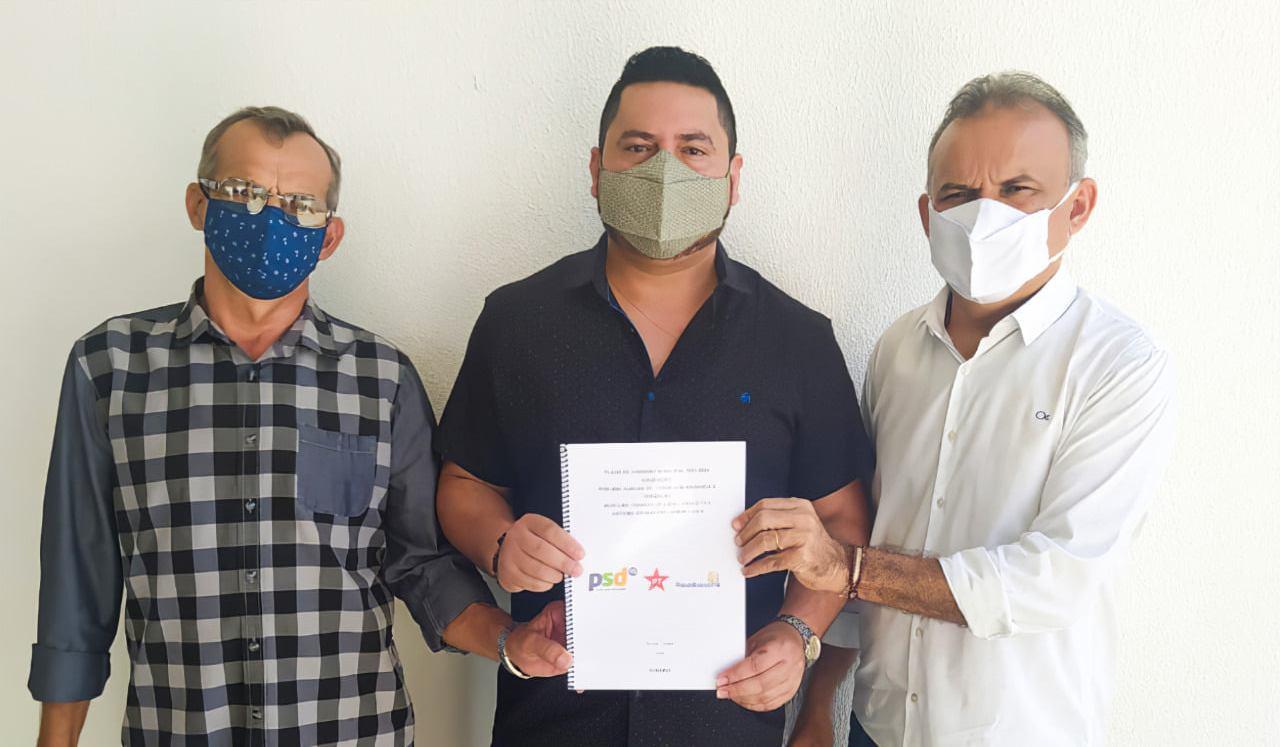 Prefeito e vice-prefeito eleitos anunciam David Duarte como secretário de saúde de Aurora