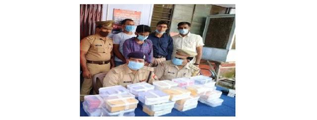 कानपुर नगर के थाना चमनगंज पुलिस टीम व स्वॉट टीम द्वारा शातिर चोर को चोरी के मोबाइल फोन के साथ गिरफ्तार किया