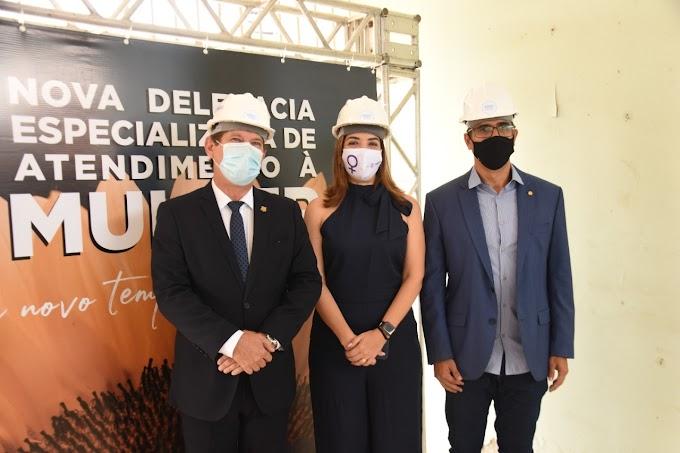 Erick Lessa promove visita técnica às futuras instalações da Delegacia da Mulher
