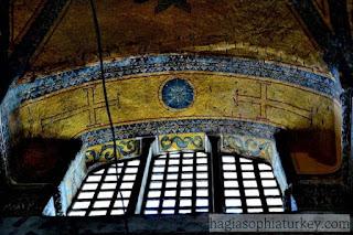 Simbol-simbol Kristen di Hagia Sophia
