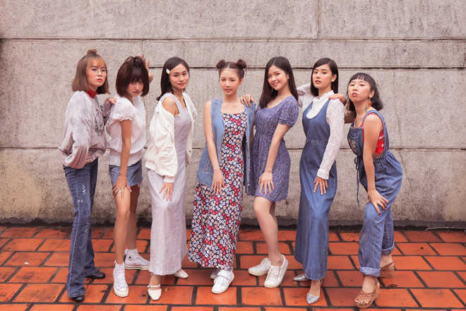 MisThy và dàn hot girl trong MV của AMEE ngoài đời mặc đồ thế nào?