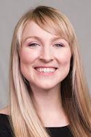 Headshot of Chloe Huelsnitz