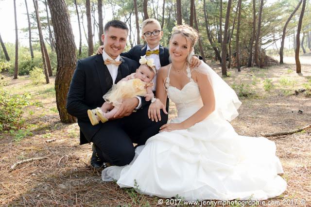 portrait mariés en famille avec enfants dans la forêt