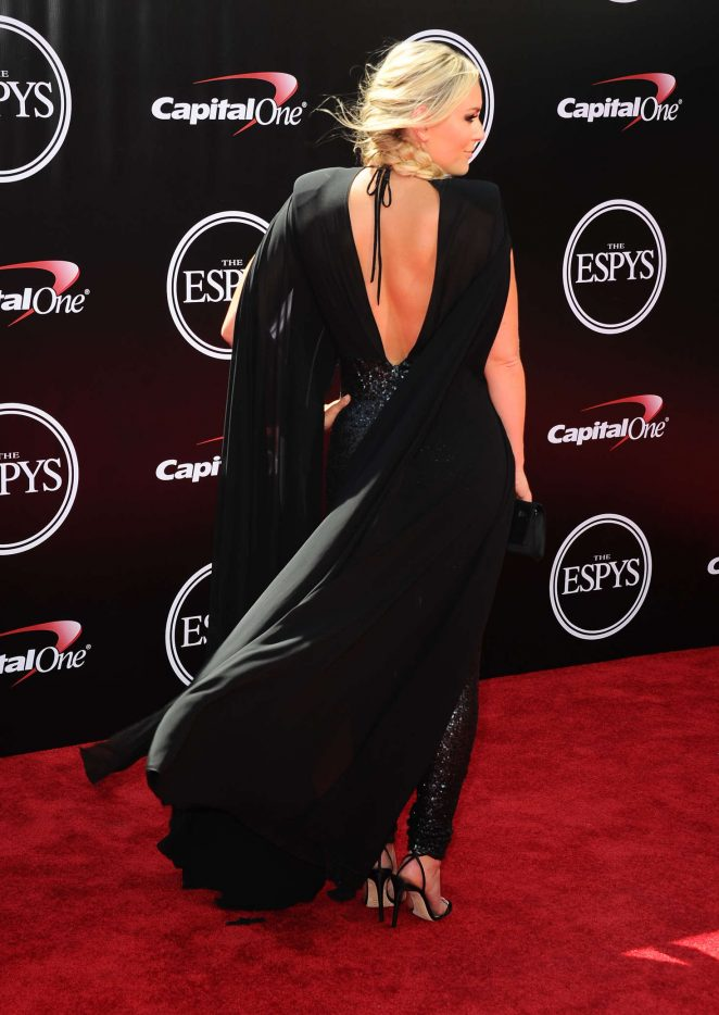 Lindsey Vonn bares skin at the 2016 ESPY Awards in LA
