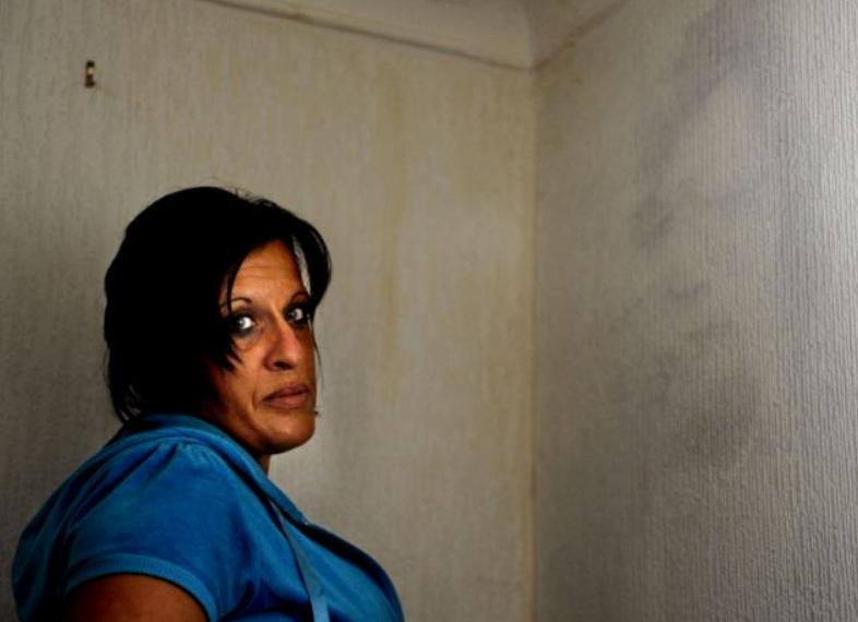 Wajah Suami Telah Meninggal Muncul di Dinding