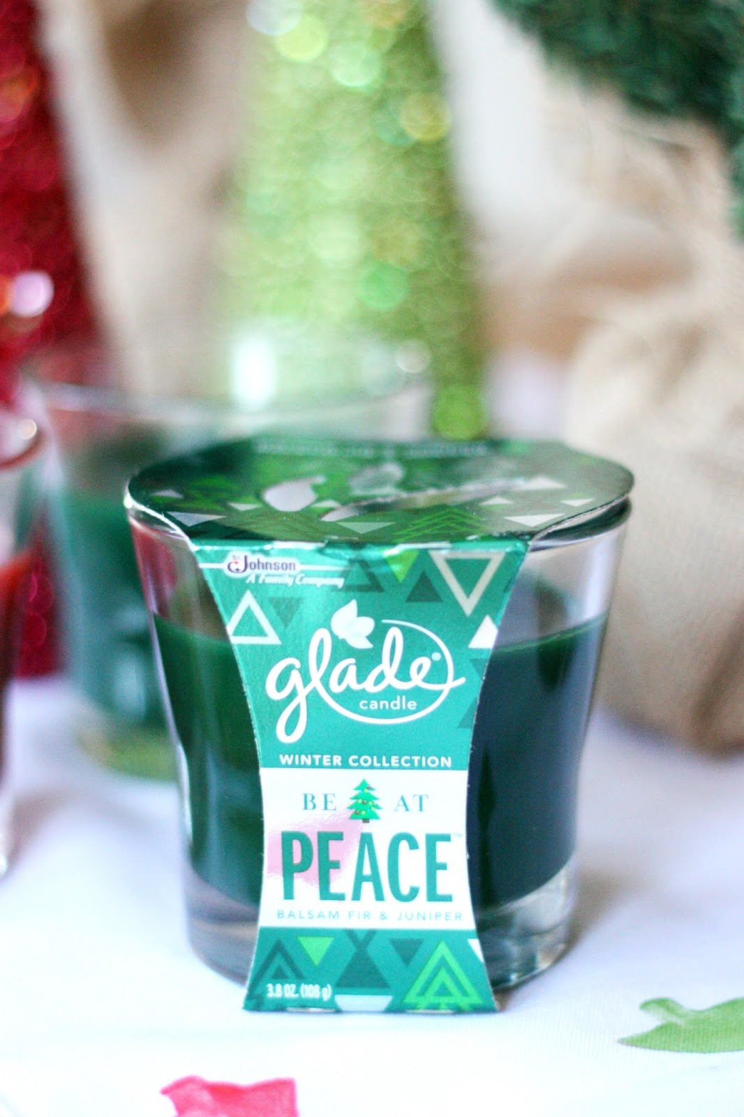 DIY Holiday Table Runner | The Pretty Life Girls