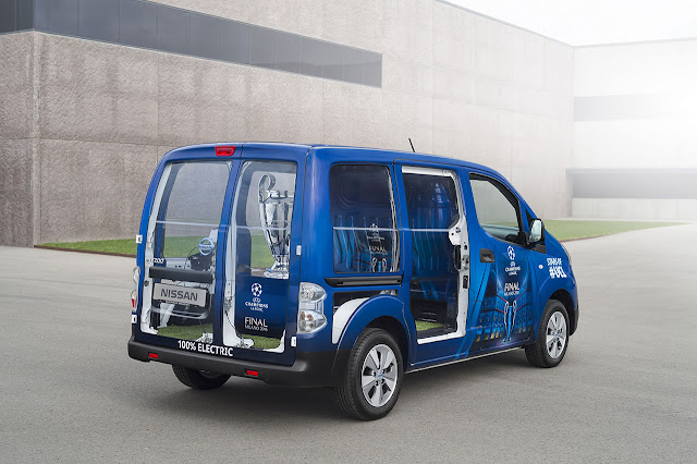 e-NV200 UEFA Champions League Trophy Carrier 2016