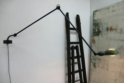 wo and w collection ancienne applique murale pivotante d 39 atelier deux bras articul s. Black Bedroom Furniture Sets. Home Design Ideas