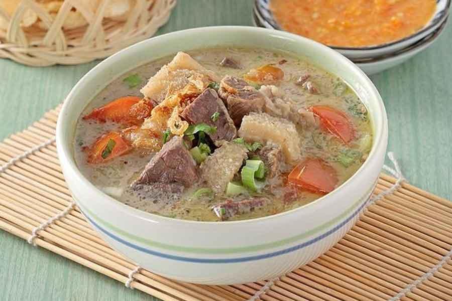 makanan khas betawi jakarta Soto Betawi
