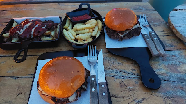 Burger Kopi Under Ground
