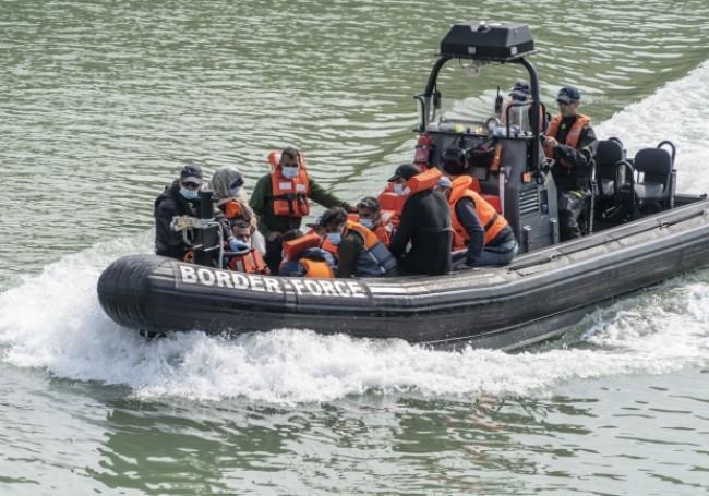 La Manche : contre la traversée des migrants, la police britannique pourrait utiliser... des filets