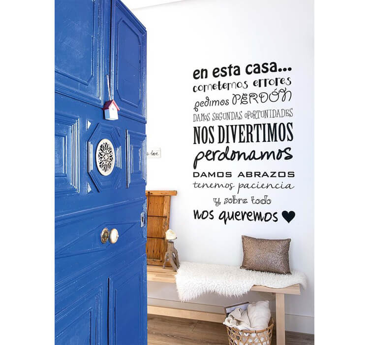 Pareti total white decorate con stickers