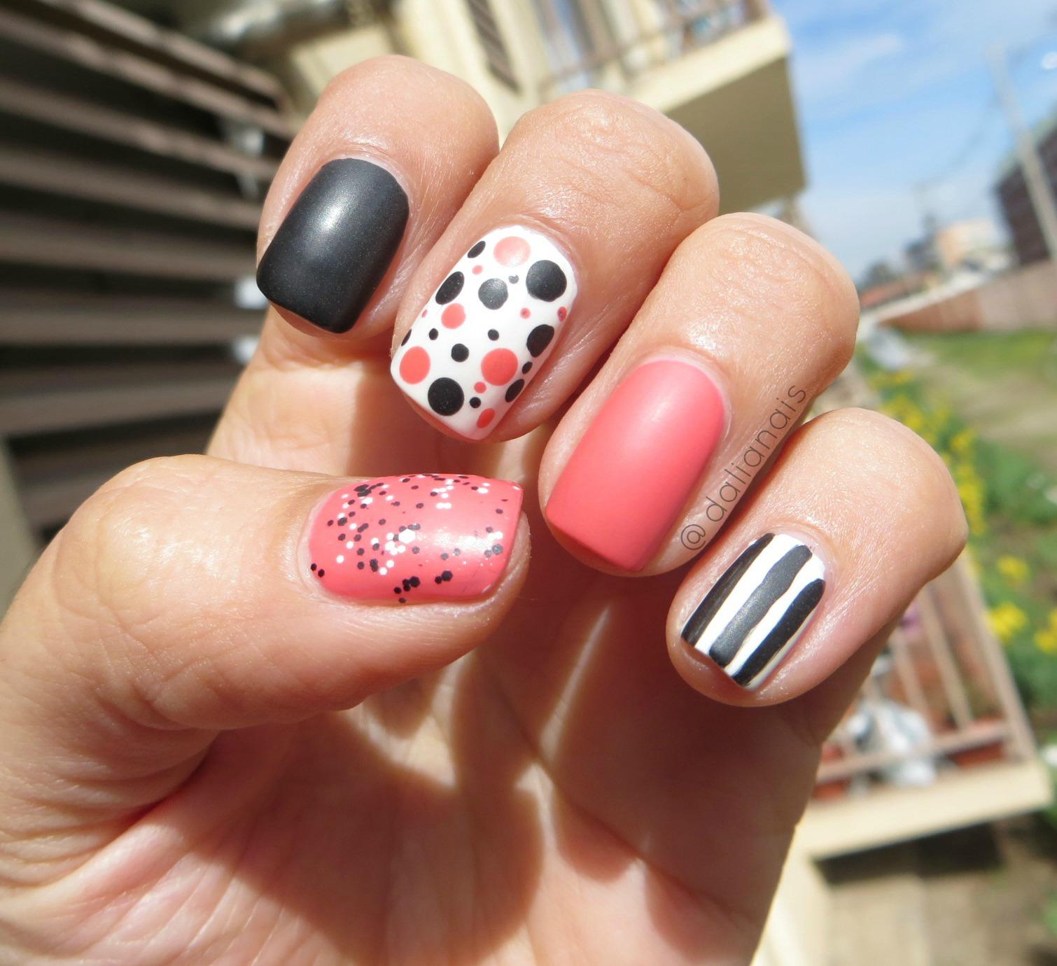 Coloreando Mis Uñas Uñas De La Semanacoral Blackwhite Nail Art