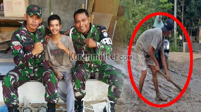 Dua Anggota TNI Datangi Remaja Putus Sekolah Yang Viral Karena Bersihkan Jalan Berlumpur