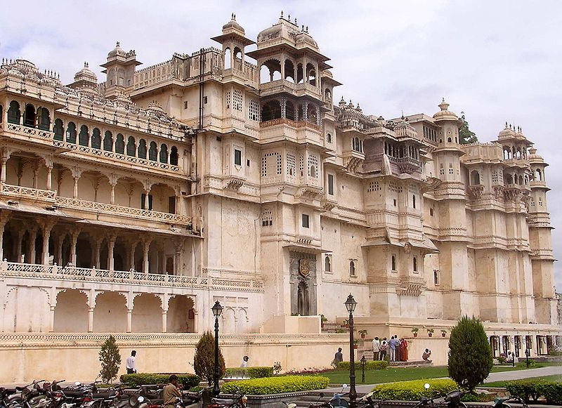 Udaipur-City-Palace-best-place-for-tourist-who-visit-udaipur