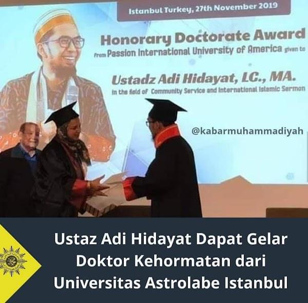 Resmi: Ustadz adi hidayat terima gelar doktor kehormatan