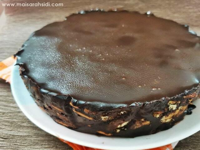kek batik coklat melting