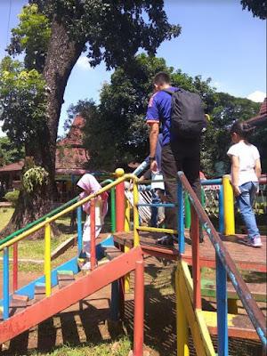 playground dalam istana anak tmii