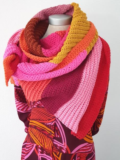 Gehaakte schuine strepen sjaal