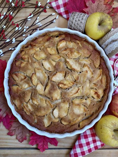 Tarta de manzana de la abuela. Apple pie. Postre, merienda, tarta fácil, rica, saludable. Otoño. Con horno. Cuca