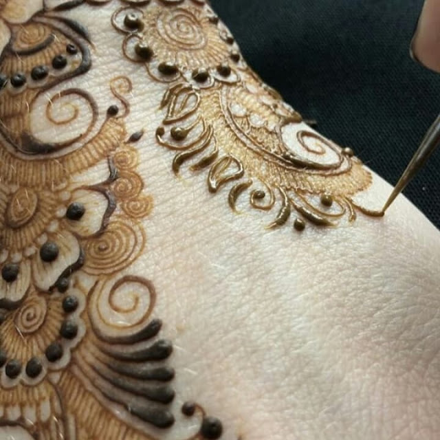 simple arabic mehndi designs for hands for beginners